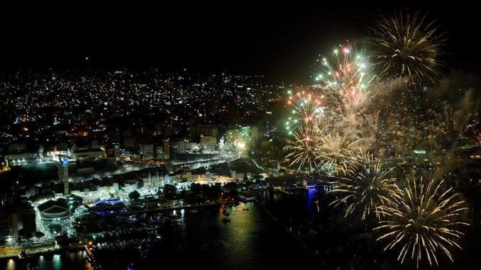 Queima de fogos milionária no Réveillon de Salvador. / Foto: Blog Resenha Geral